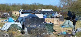 France, UK seek to send Calais migrants back