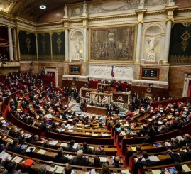 France: Lawmakers vote for sweeping powers to spy on citizens