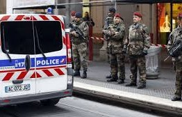 France: Soldiers attacked outside Jewish community center
