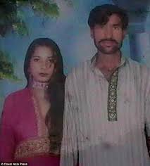 Pakistan: 50 villagers held over burning of Christian couple to death