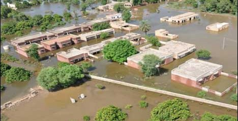Pakistan: Dyke breaches: Villages inundated in Vehari, Uch Sharif