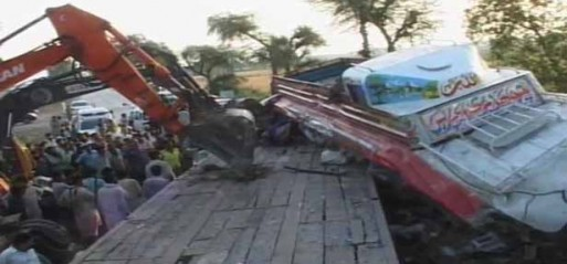 Pakistan: Road accident kills 41 in Sukkur