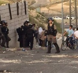 Palestine: Clashes in Silwan after Israeli soldiers build concrete blocks