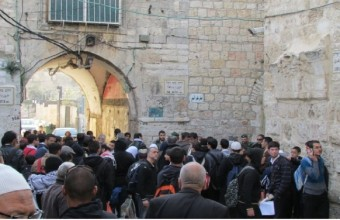 Palestine: Worshippers prevented from entering Al Aqsa Mosque for Friday prayer