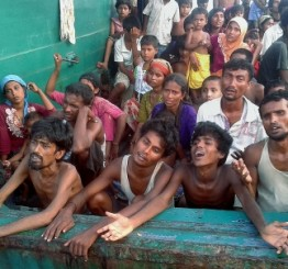Thai navy turns back boat carrying Rohingya Muslim migrants