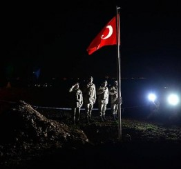 Turkey evacuates troops at historic tomb in Syria