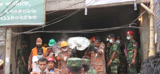 Bangladesh: Death toll from collapsed building now 366, 22 more recovered alive