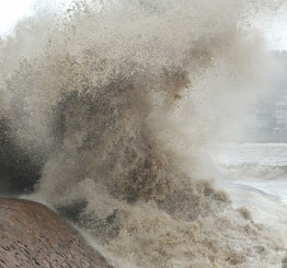 China: Typhoon Soulik weakens, warning of heavy rain remains