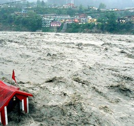 India: 8 dead, 3700 pilgrims stranded as incessant rains batter Uttarakhand