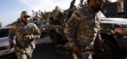 Libyan pro-Govt fighters wrest control of key town from rebels