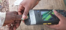 Nigeria election extended after technical problems&violence
