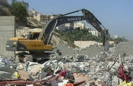 Palestine: Israeli forces demolish mosque in Jerusalem refugee camp