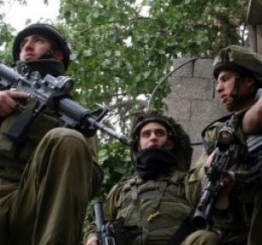 Palestine: Israeli army invades Hebron, nearby towns