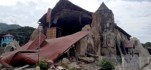 Philippines: Deadly quake kills 20 people
