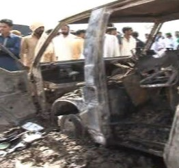 Pakistan: 17 children, teacher die in Gujrat school bus fire