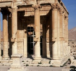 Syria: Islamic State terrorists seize parts of ancient city Palmyra